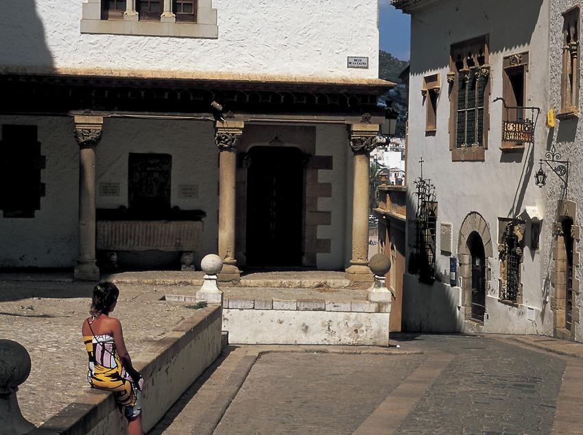 Turistes al centre històric. (Oriol Llauradó)