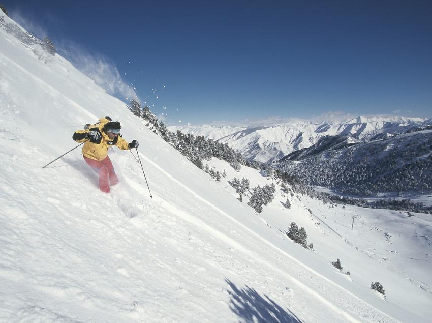 Nordic skiing. Spot Ski.