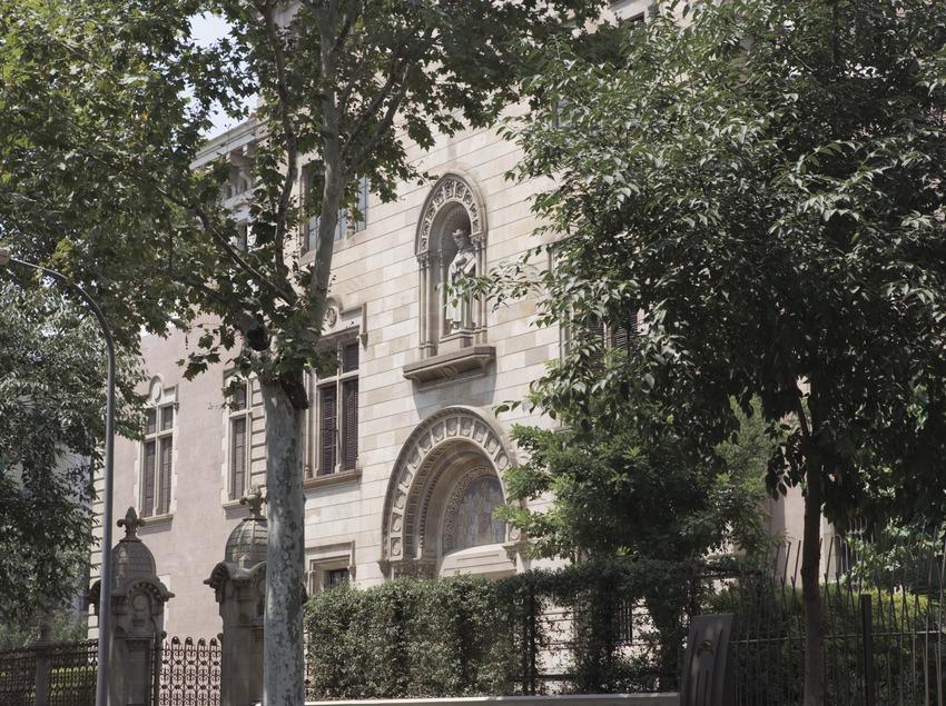 Façana del Museu Geològic del seminari.  (Nano Cañas)