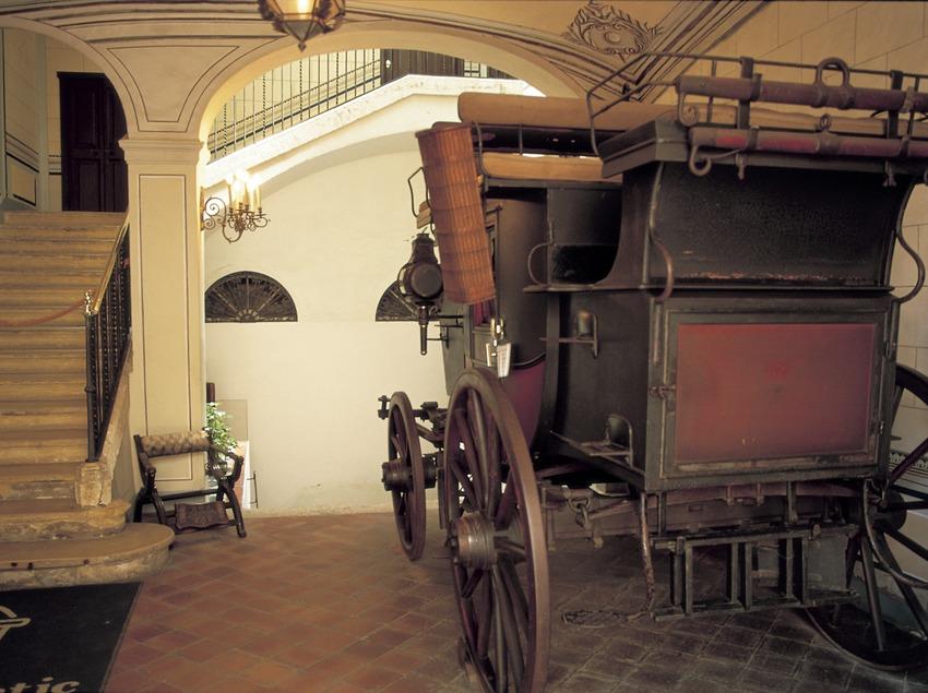 """Vestíbul del Museu Romàntic """"Can Llopis""""  (Turismo Verde S.L.)"""