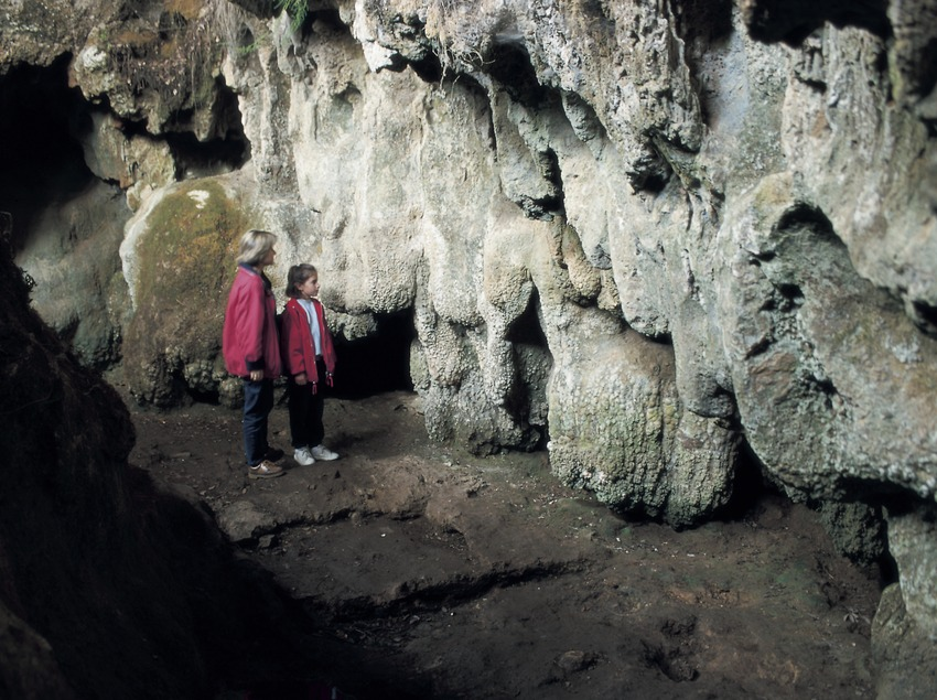 Die Höhle von Reclau Viver.