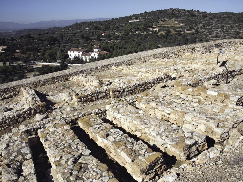 Iberian settlement of la Moleta del Remei and the Remei chapel  (Miguel Raurich)