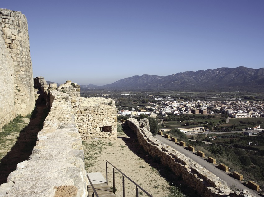Vista de la localidad desde el castillo  (Miguel Raurich)