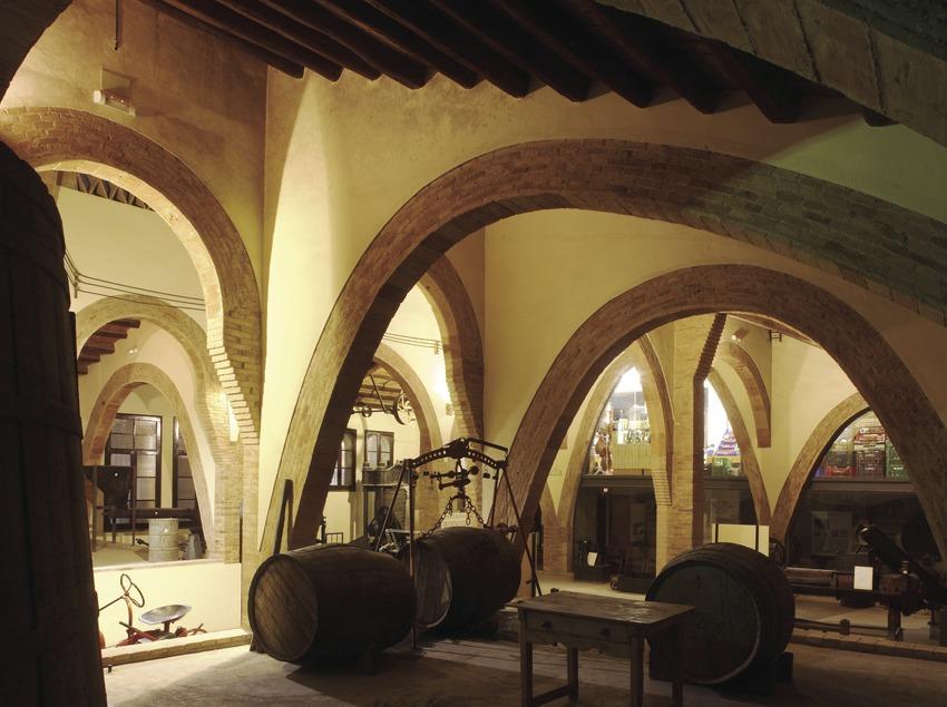 Museo agrícola, en la antigua bodega de la Cooperativa Agrícola