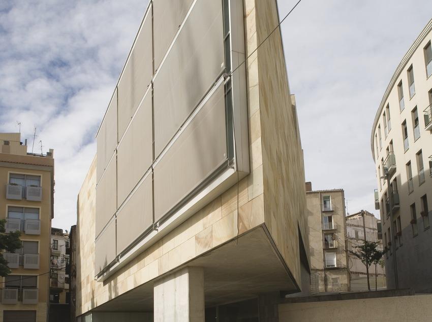 Fachada del centro cívico Centro histórico  (Miguel Raurich)