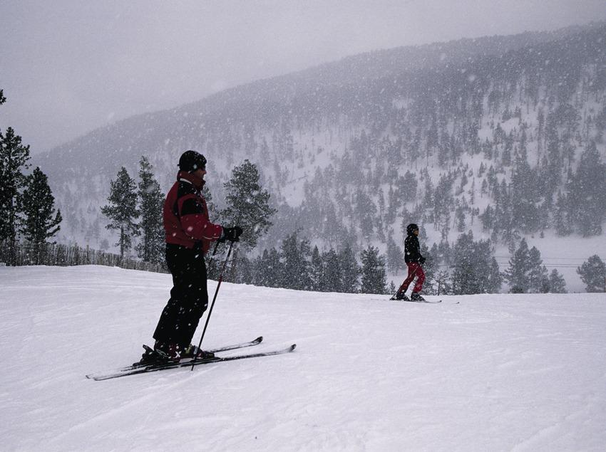 Esquiador a l'estació d'esquí de Tavascan  (Miguel Raurich)