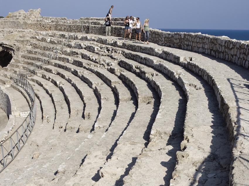 Gradas del anfiteatro romano.  (Nano Cañas)