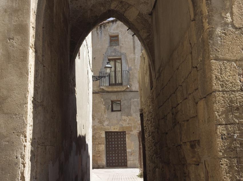 Detall d'un carrer del call jueu.  (Nano Cañas)