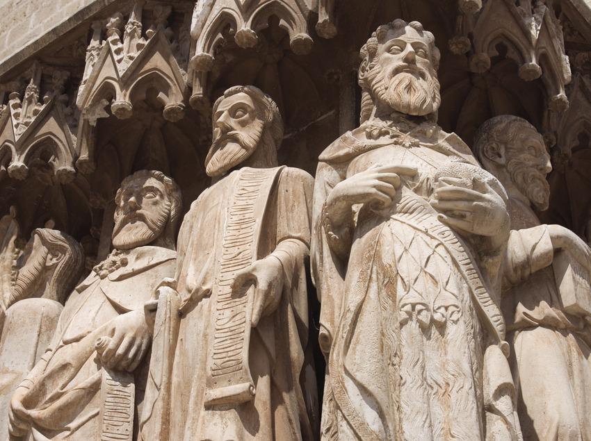 Detalle de las esculturas de la portalada de la Catedral de Santa Maria.  (Nano Cañas)