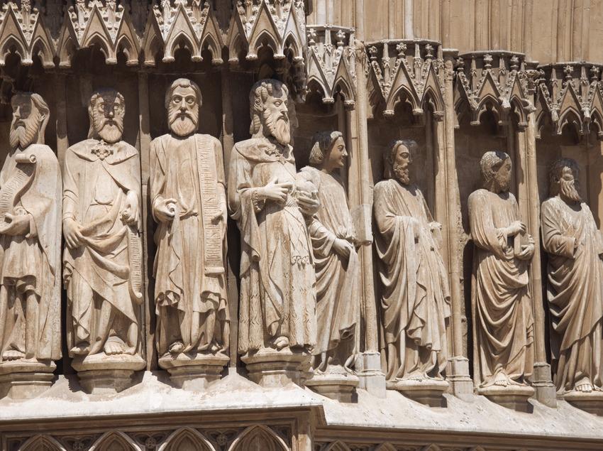 Esculturas de la portalada de la catedral de Santa Maria.  (Nano Cañas)
