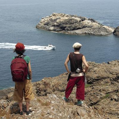 Excursionistas en el Parque Natural del Cap de Creus.  (José Luis Rodríguez)