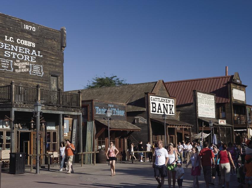 Reconstitution d'une rue du Far West à Port Aventura.  (Nano Cañas)