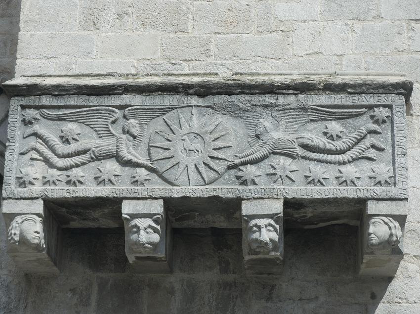 Detalle de la portalada de la iglesia de Sant Feliu.  (Servicios Editoriales Georama)