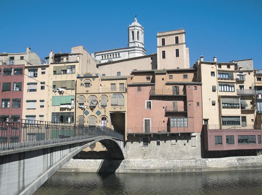 Casas junto al río Onyar  (Servicios Editoriales Georama)