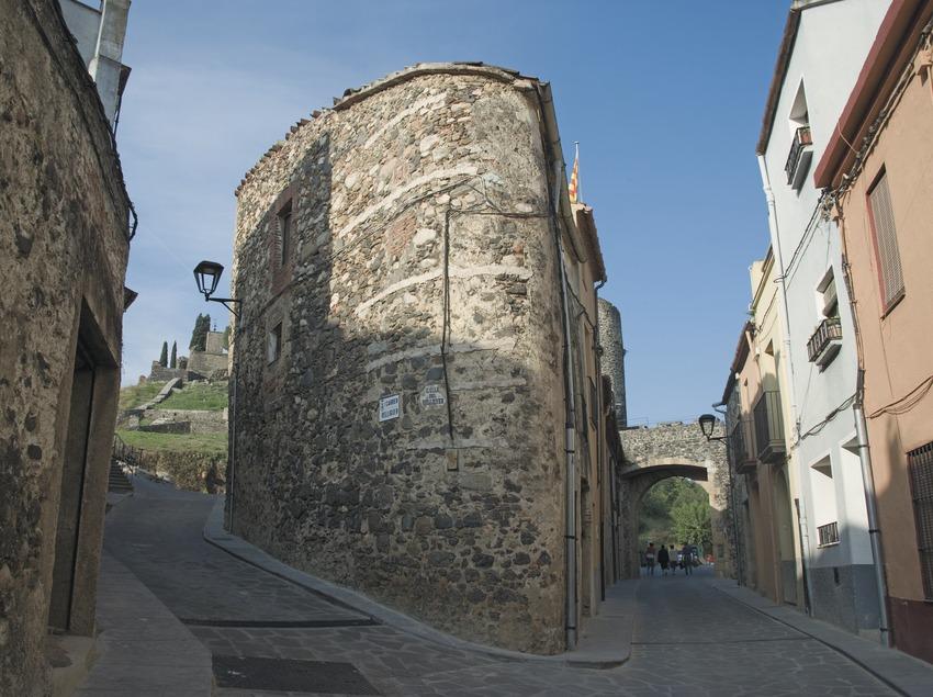Calle del núcleo antiguo  (Servicios Editoriales Georama)