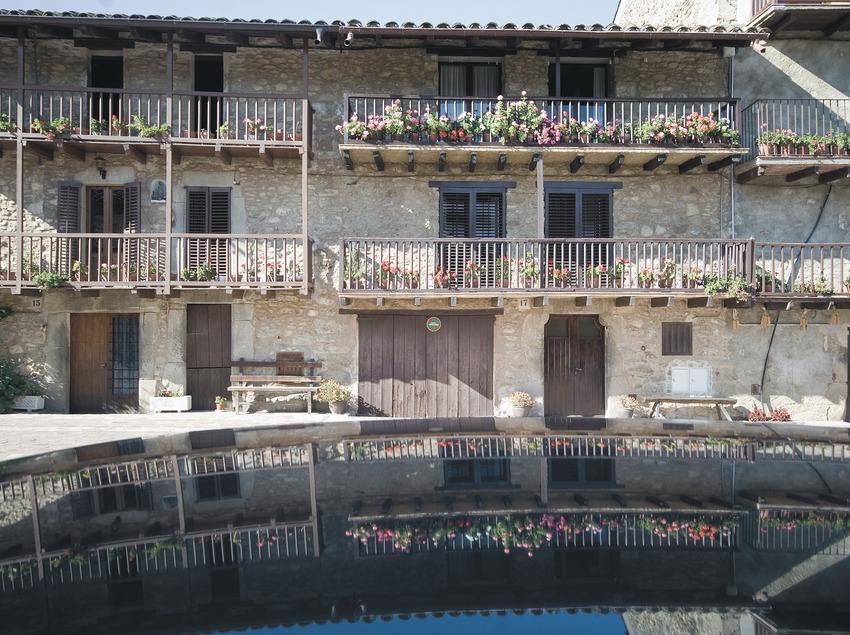 Ensemble de balcons traditionnels dans la rue Teixeda  (Servicios Editoriales Georama)