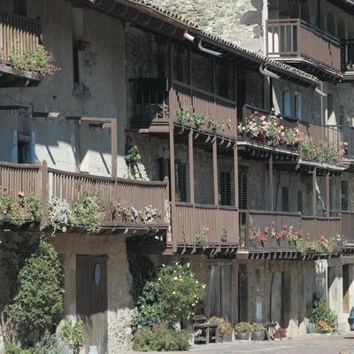 Balconades tradicionals al carrer Teixeda  (Servicios Editoriales Georama)