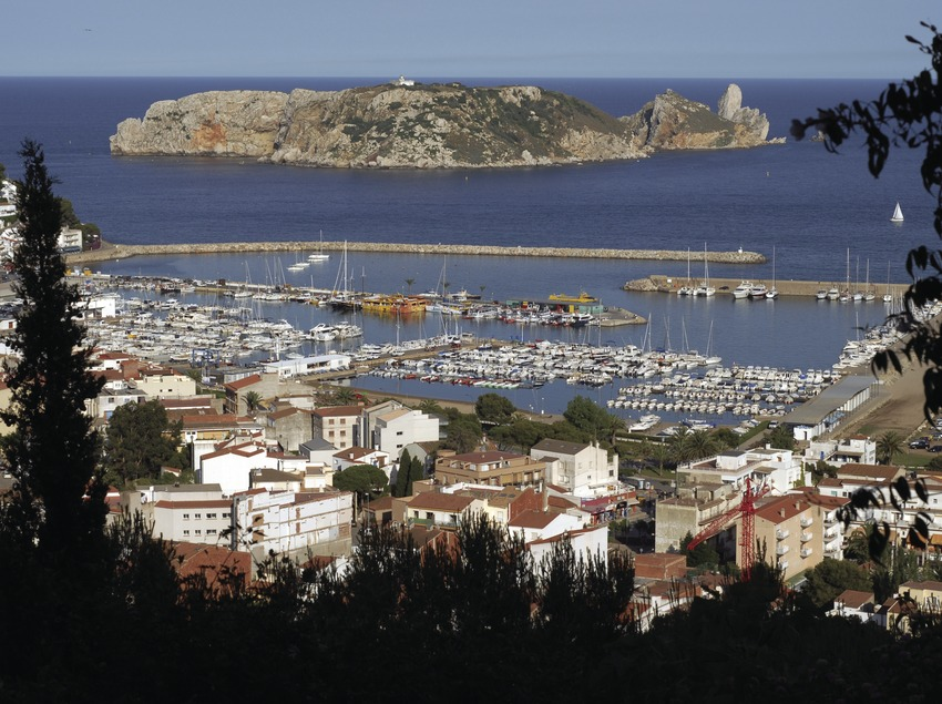 L'Estartit and the Medes Islands Marine Reserve.  (José Luis Rodríguez)