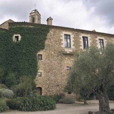 Vista posterior del castell, antic palau episcopal