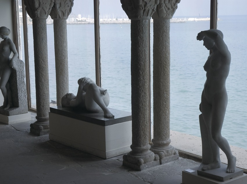 Sculptures in the Maricel Museum  (Servicios Editoriales Georama)