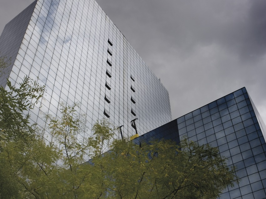 Edifici comercial de l'Eix Macià. (Nano Cañas)