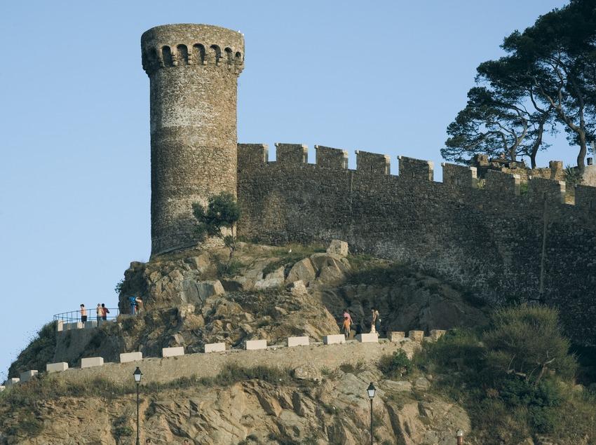 Watchtower of Tossa's Vila Vella  (Servicios Editoriales Georama)