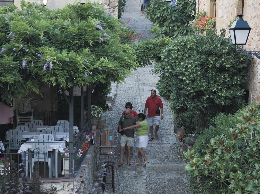 Calle de Isona.  (Servicios Editoriales Georama)