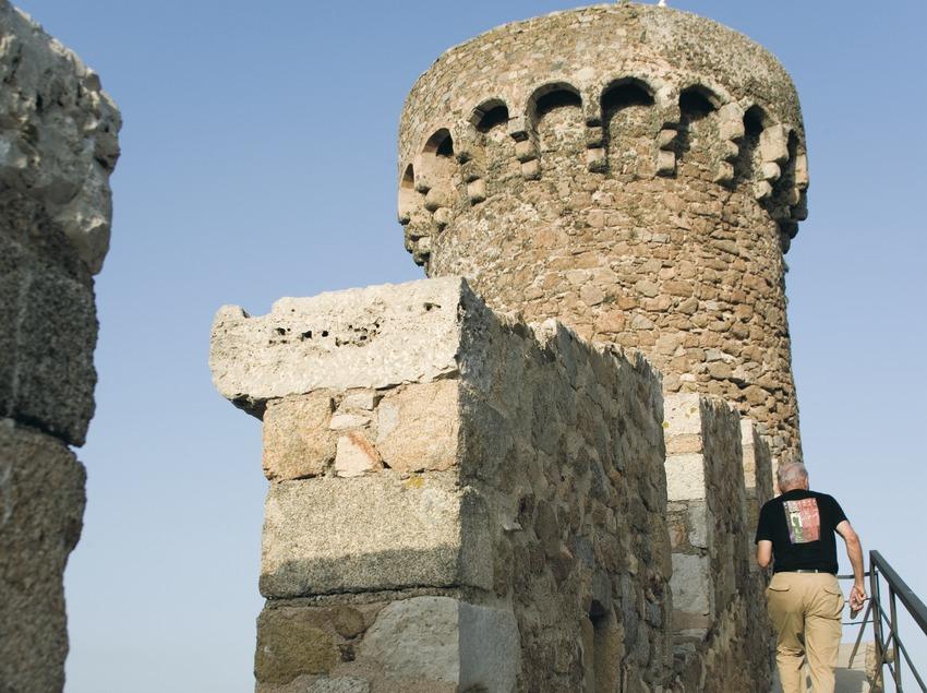 Torre de vigilancia de la Vila Vella de Tossa.  (Servicios Editoriales Georama)