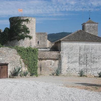 Castell i església de Santa Magdalena  (Servicios Editoriales Georama)