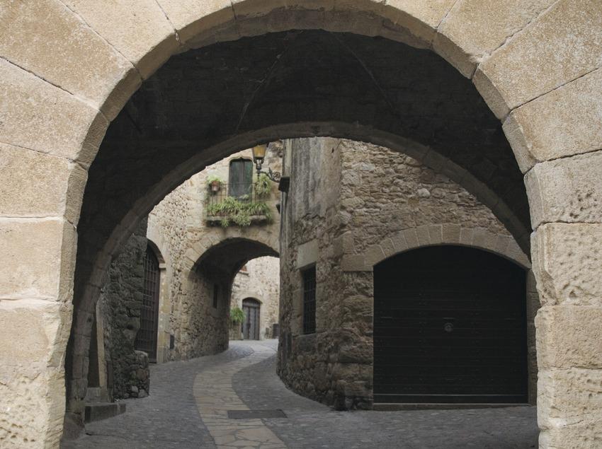 Porta de la muralla  (Servicios Editoriales Georama)