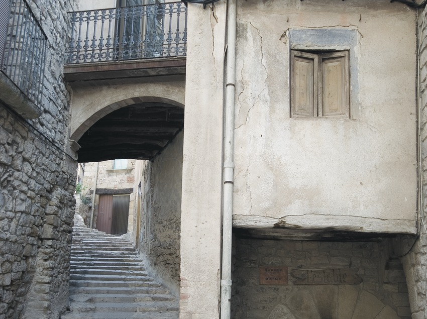 Rue médiévale d'accès à l'église Sant Sebastià  (Servicios Editoriales Georama)