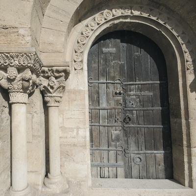 Entrée de l'église Santa Maria.  (Servicios Editoriales Georama)