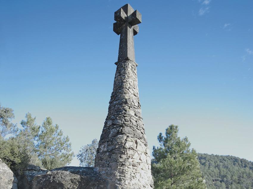 Detalle del cementerio modernista  (Servicios Editoriales Georama)