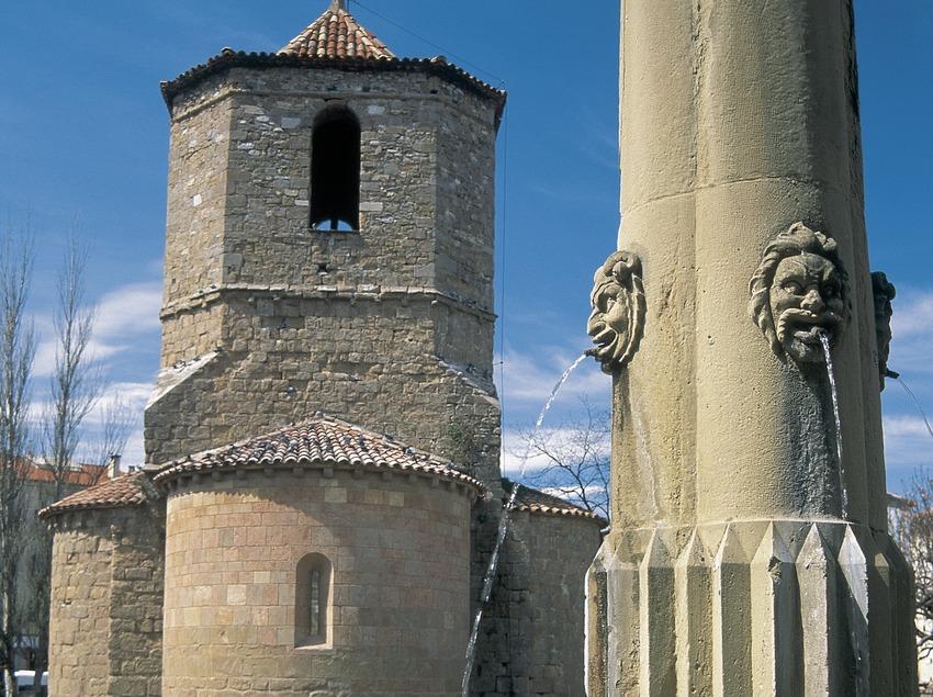 Die Kirche Sant Joanipol  (Servicios Editoriales Georama)