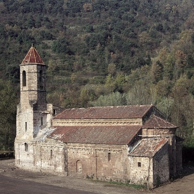 Església del monestir de Sant Joan les Fonts