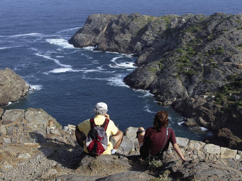 Excursionistes al Parc Natural del Cap de Creus.