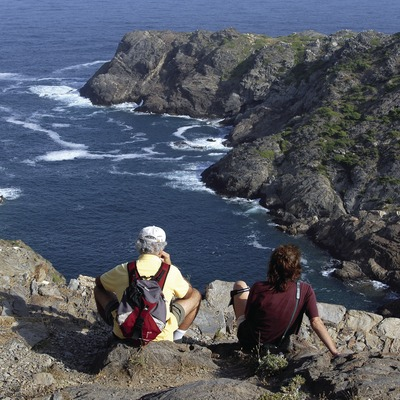 Excursionistas en el Parque Natural del Cap de Creus.