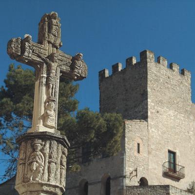 Castell i creu de terme  (Servicios Editoriales Georama)