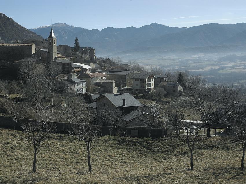 Teilansicht und die Kirche Sant Esteve.