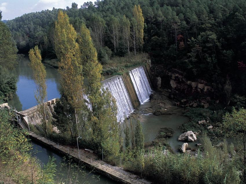 Presa en el río Llobregat.
