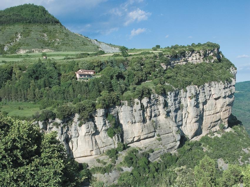 Cliffs of Tavertet  (Servicios Editoriales Georama)