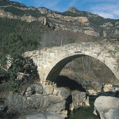 Pont medieval sobre el riu Llobregat