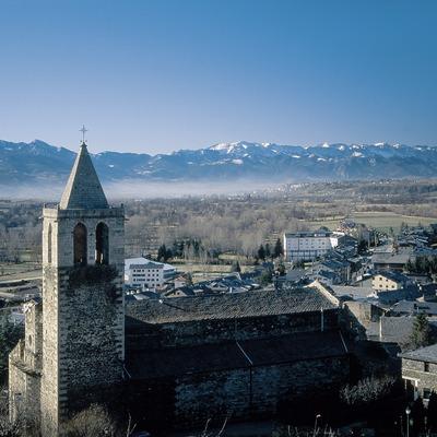 Núcleo urbano e iglesia de Nostra Senyora del Àngels  (Servicios Editoriales Georama)