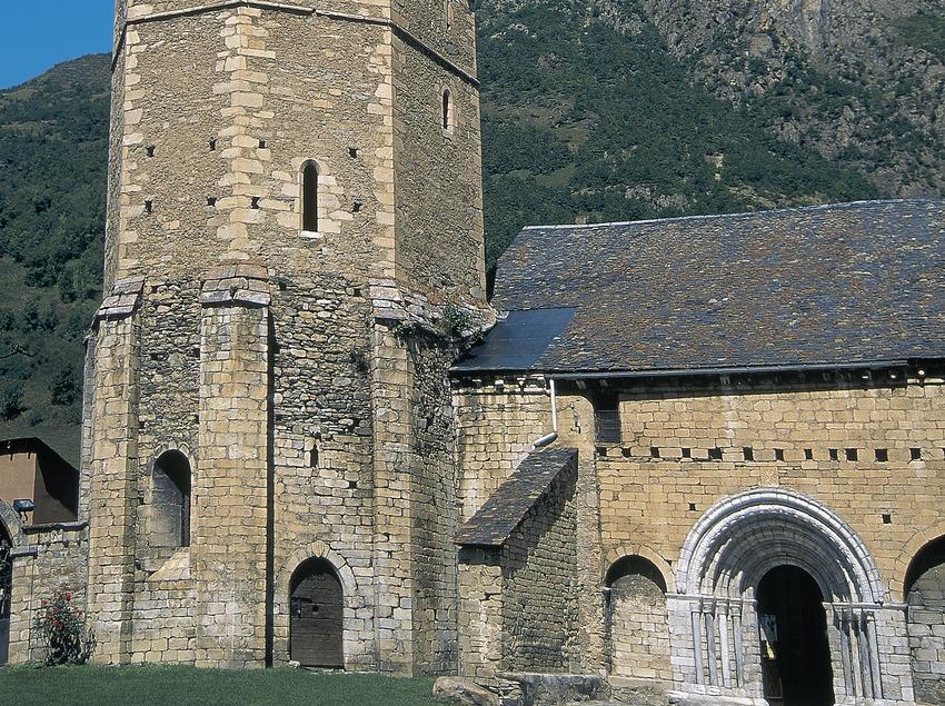 Campanario octogonal de la iglesia de Sant Andreu de Salardú  (Servicios Editoriales Georama)