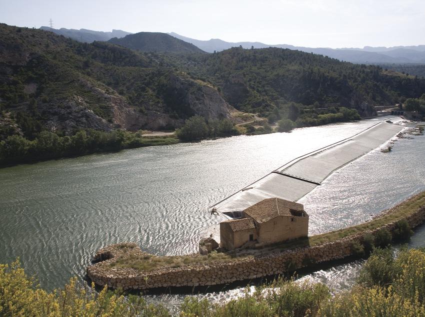 Azud y molino en el río Ebro  (Miguel Raurich)
