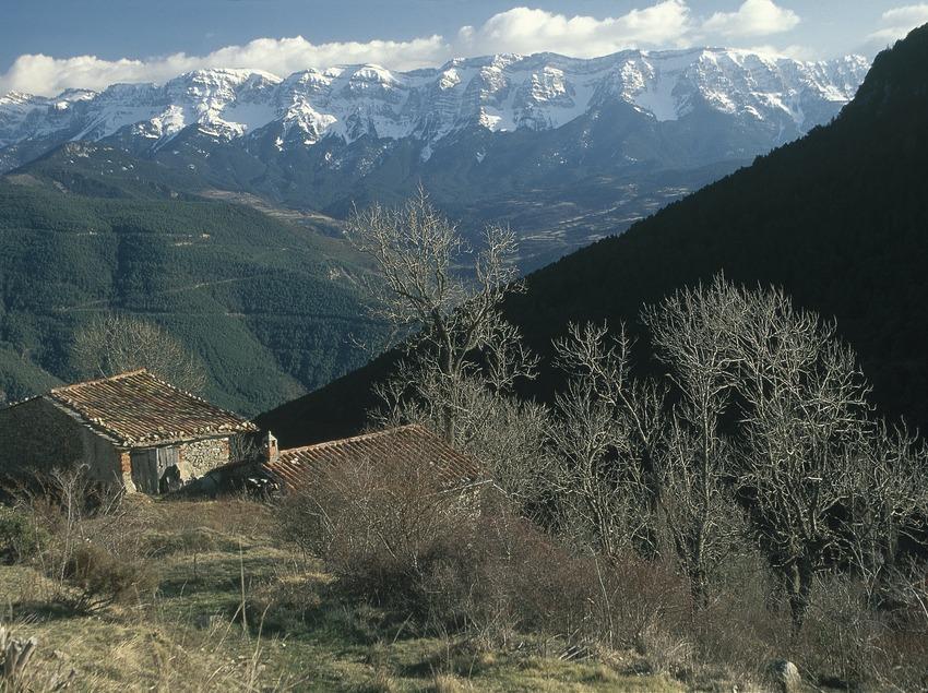 Die Sierra del Cadí von den Pyrenäenhängen von l'Alt Urgel aus gesehen