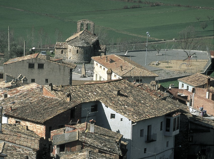 View of the town of Fígols and church of Sant Víctor
