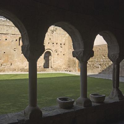 Claustro del monasterio de Santa Maria de Gualter  (Servicios Editoriales Georama)