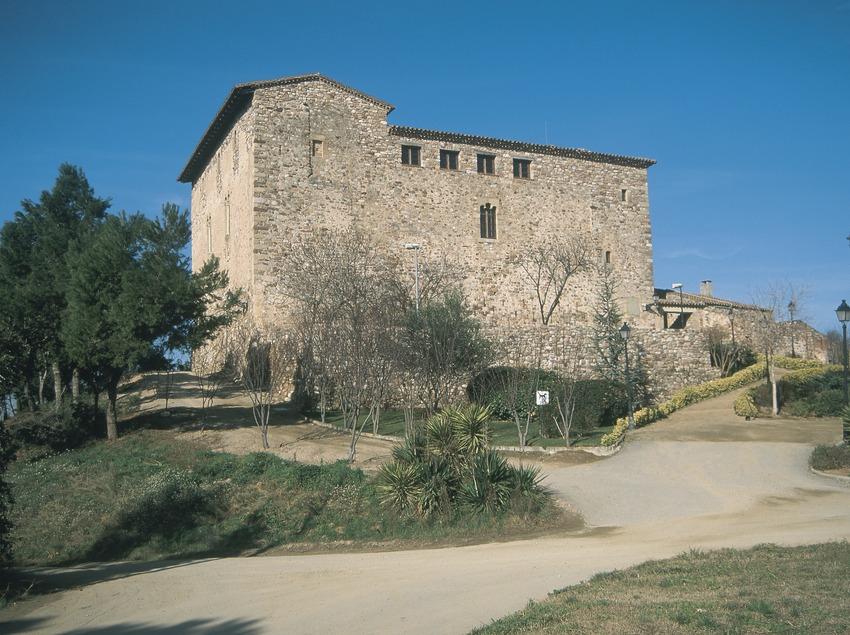 Castillo de Plegamans, sede de la Fundación Folch i Torres  (Turismo Verde S.L.)