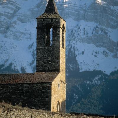 Paredes del Cadí e iglesia románica de Santa Coloma  (Servicios Editoriales Georama)